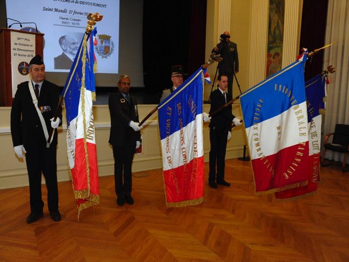 Portes drapeaux de l'Union Fédérale